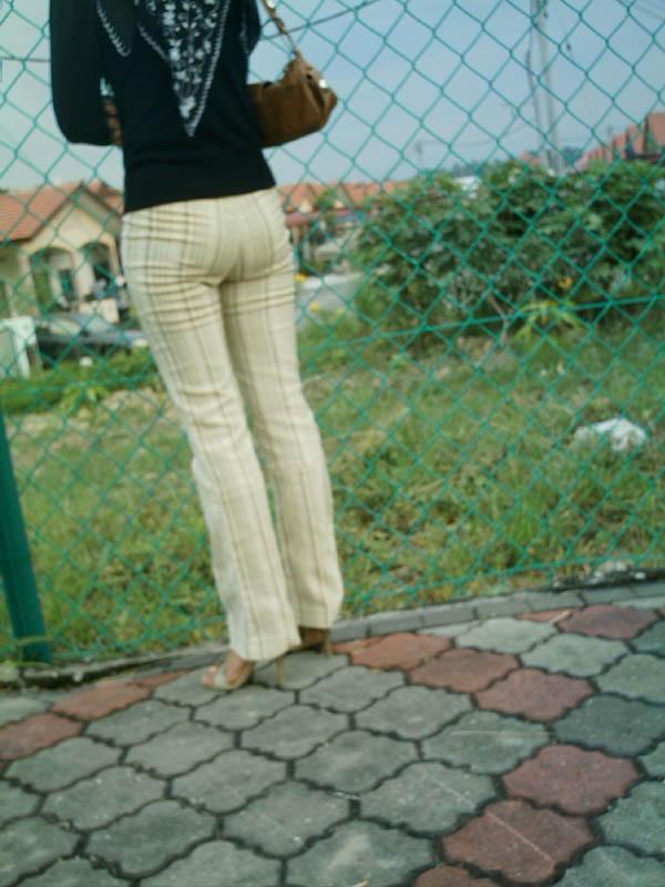 contoh seluar ketat wanita Malaysia