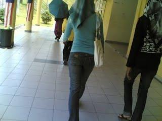 pakai tudung tapi baju dan seluar sangat ketat mcm bungkus nangka
