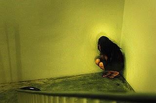 gambar] Ayah dihukum penjara kerana memeriksa dara anak