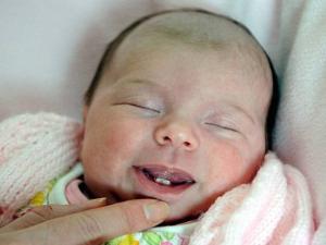 Pelik Inilah Bayi Yang Baru Lahir Sudah Tumbuh 2 Batang Gigi Sekamarrindu2009 S Blog